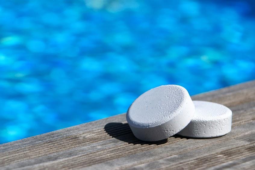 Prodotti chimici piscina Emilia Romagna - Costruzione Piscine Emilia Romagna